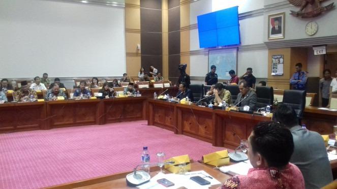rdpu-komisi-i-dengan-facebook-indonesia