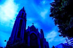 CHURCH(WIDESHOT)BLUE2