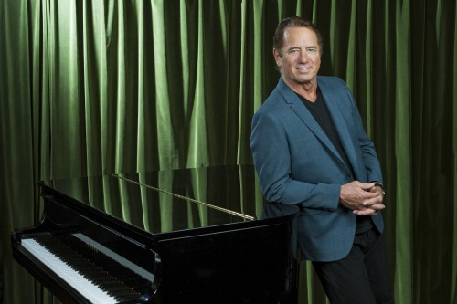Tom-Wopat-Piano-Photo-2014-Small-e1413921068245.jpeg