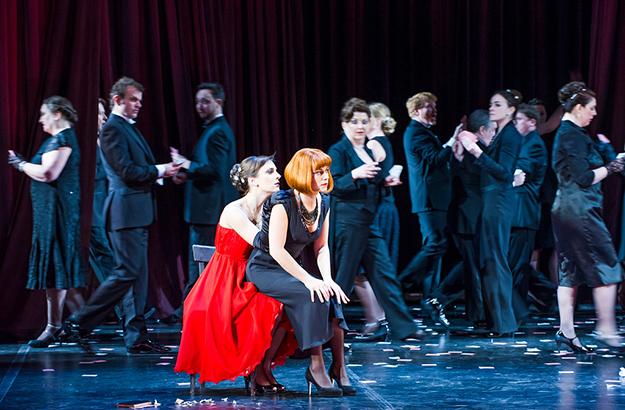 La traviata and one chair
