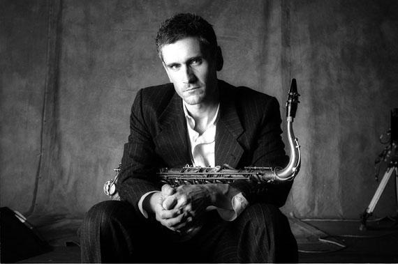Curtis Stigers with SWOJO Dimitriou's Jazz Alley