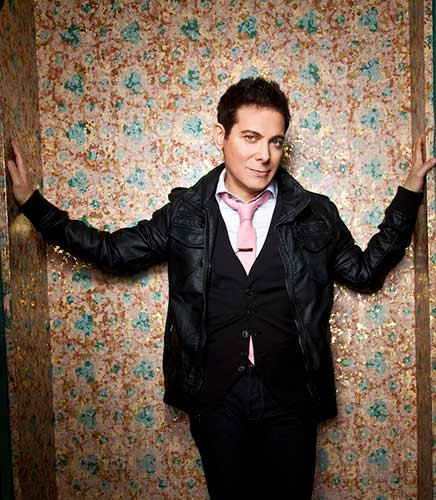 "Interview: Michael Feinstein Talks About ""Celebrating The Crooners"" And More"