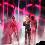 pink beautiful trauma tour review 15 on equality365.com