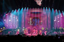 pink beautiful trauma tour review 7 on equality365.com