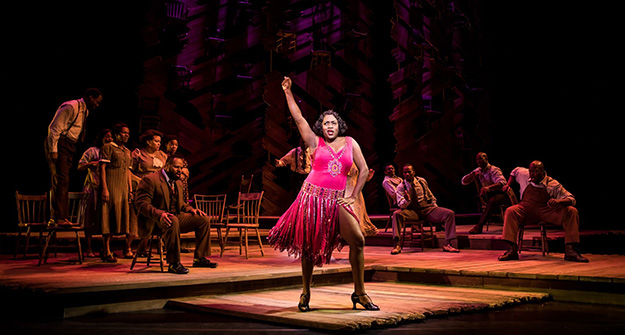 Carla R. Stewart (Shug Avery) and the North American tour cast of THE COLOR PURPLE. (Photo by Matthew Murphy, 2017)