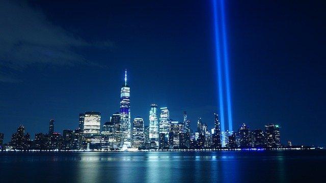 tribute-in-light-4470711_640.jpg