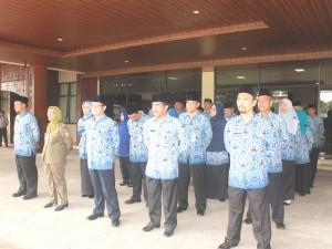 Sejumlah kepala SKPD Pemkot Pontianak mengikuti Upacara Peringatan HUT Korpri ke-44