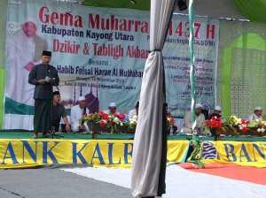 Mewakili Bupati Kayong Utara, Asisten I Setda Pemkab Kayong Utara H Sy Muzahar SIP menutup Gema Muharram 1437 Hijriah