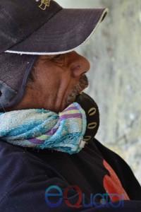 TEKNIK PERNAPASAN. Penambang belerang tradisional tak memiliki pakaian khusus, mereka menggunakan tekhik pernapasan seadanya dengan cara menggigit handuk atau kain