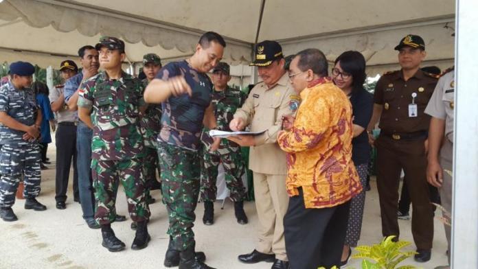 Bupati Mempawah Ria Norsan didampingi Wakil Bupati Gusti Ramlan dan Kapolres berkoordinasi dengan Pangdam XII/Tanjungpura,
