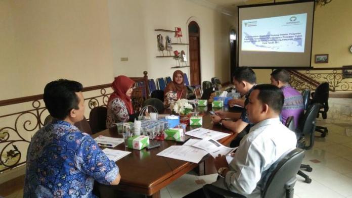 AUDENSI. Anggota DPRD Sanggau melakukan audiensi ke kantor Ombudsman Kalbar, Senin (12/3). Ombudsman Kalbar for RK