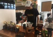 Barista The Gade Café. Jto for Rakyat Kalbar