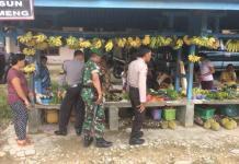 OPERASI CIPTA KONDISI. TNI dan Polri di perbatasan Entikong tengah mengintensifkan pengamanan—Humas Polsek Entikong for RK