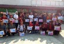 Penggalangan Dana. Gabungan organisasi di Melawi diabadikan bersama Wabup Melawi, Dadi Sunarya sebelum melakukan penggalangan dana untuk korban bencana Lombok di Lapangan Kuliner Nanga Pinoh, Jumat, pekan lalu. Dedi Irawan/RK.