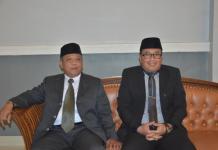 Bupati dan Wabup Terpilih. Bupati dan Wakil Bupati Kubu Raya terpilih, Muda Mahendrawan dan Sujiwo duduk berdampingan mengikuti paripurna istimewa DPRD Kubu Raya di Kantor Parlemen Kubu Raya, Rabu (1/8). Syamsul Arifin/RK.