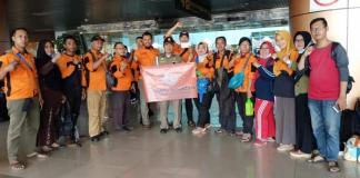 MISI KEMANUSIAAN. Relawan Relindo Kalbar berada di Bandara Supadio Kubu Raya yang siap berangkat ke Lombok, NTB, Selasa (14/8). Agus Harianto for RK