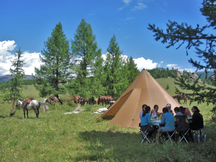 Horseback riding trips in Mongolia offered by Stone Horse Expeditions has comfort camping sites in beautiful scenery
