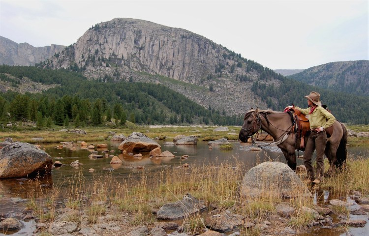 Horse riding in Mongolia at its best: Enjoying the Khentii Mountains