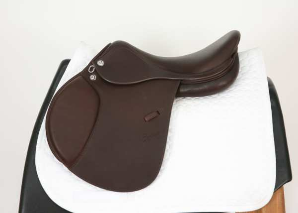 Right Side of Prestige Elegance Jump Saddle