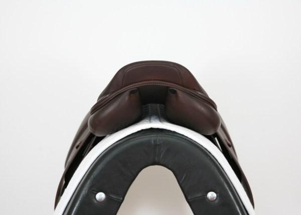 Cantle on Prestige Elegance Jump Saddle