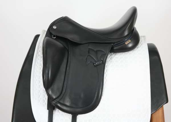 Left Side of MacRider Challenge MF Dressage Saddle 17.5M 517062