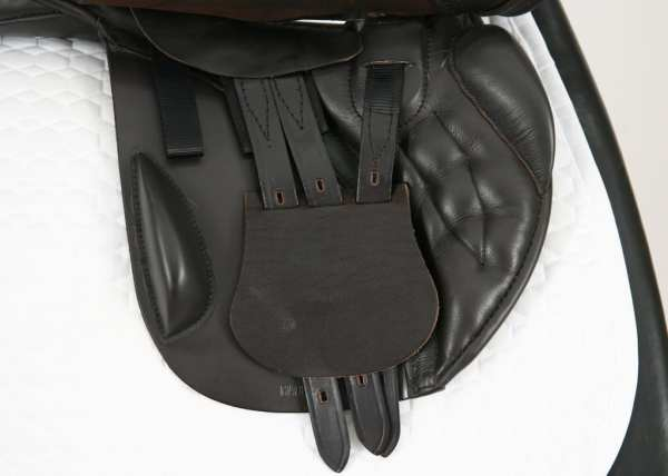 Right Flap on Black Country Ricochet 18W Jump Saddle SN: 15558