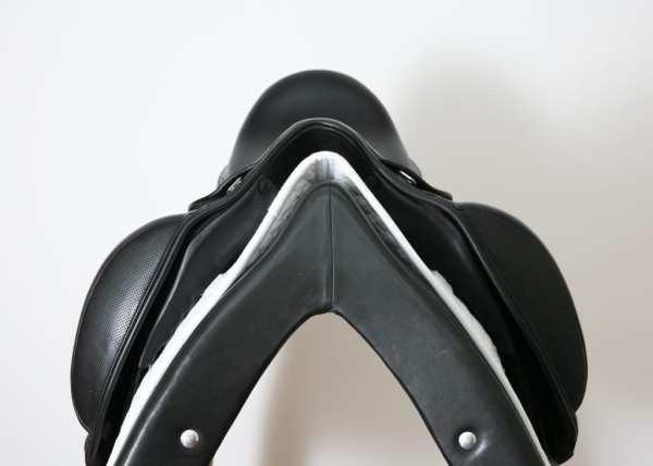 Pommel on Prestige X-D1D K Zero 17L Saddle SN: 05640717