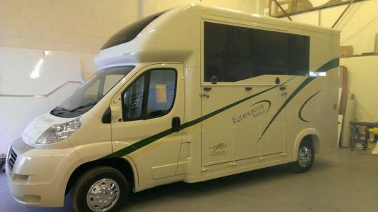 Equihunter Arena 3.5t Horsebox in cream with green and gold trim