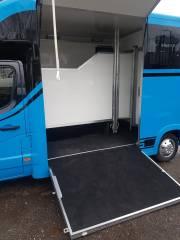 Equihunter Arena 3.5 Tonne Horsebox in Porsche Mexico Blue