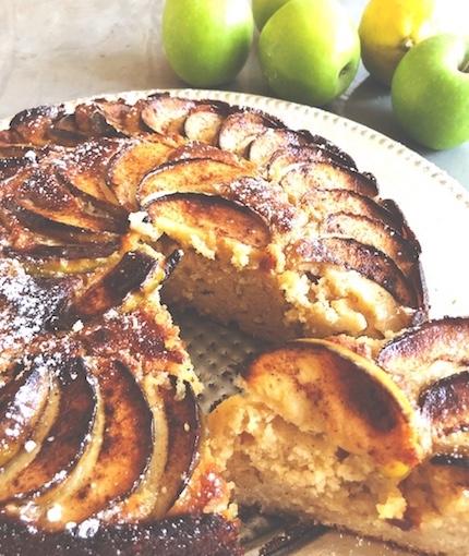 Apple Yoghurt Cake