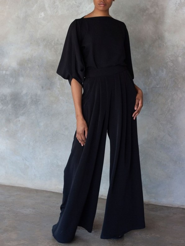 Erre Power Sleeve Blouse and Stride Pants Black Tucked