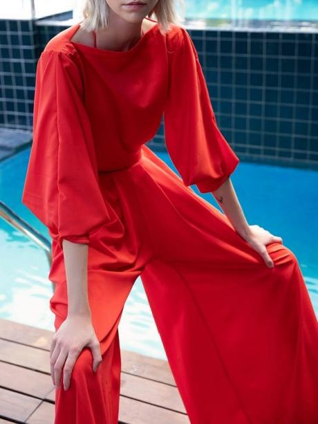 wide leg trousers with pleats red