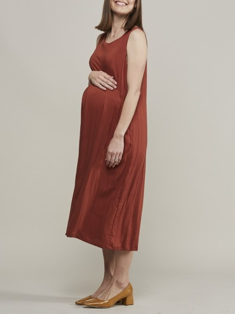 Mareth Colleen Camille4Mom Dress Rust Side
