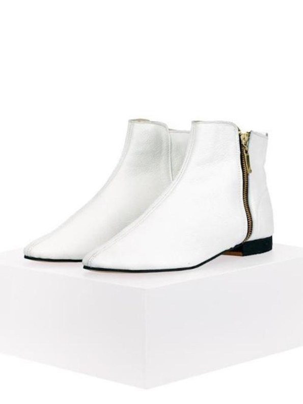 House of Cinnamon Suna Classic Ankle Boot White Angle