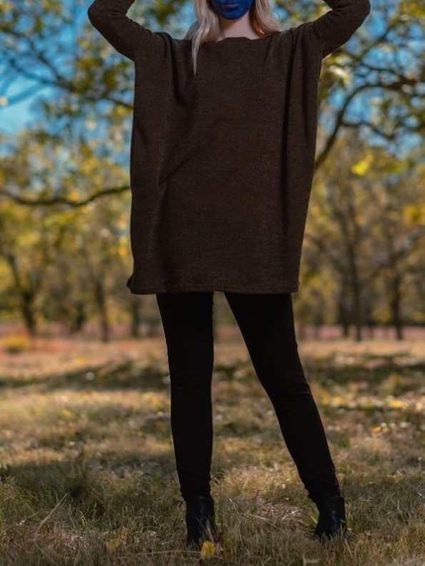 Isabel de Villiers Knit Boxy Top Black Front