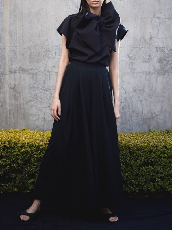 Erre Bend Black Bow Top with Stride Wide Leg Pants