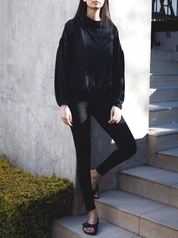 Erre Flex Summer Sweater Black with High Waisted Slim leg Pants