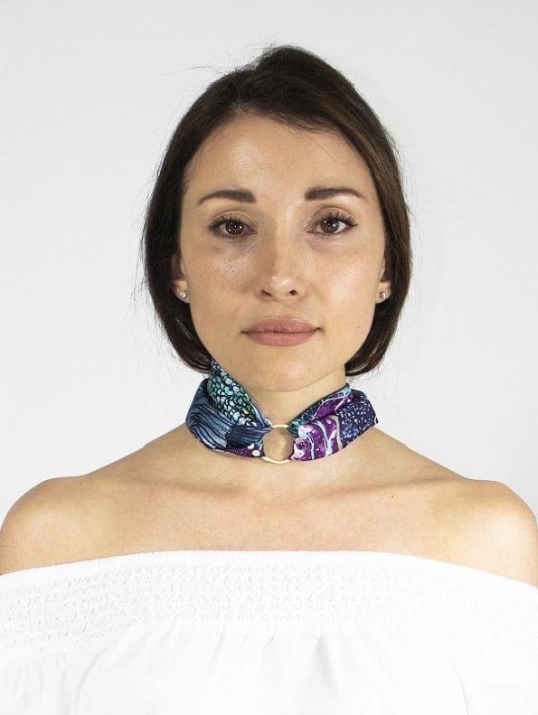 How to wear a Silk Twilly Scarf Tied Oceanum Azure Aureum