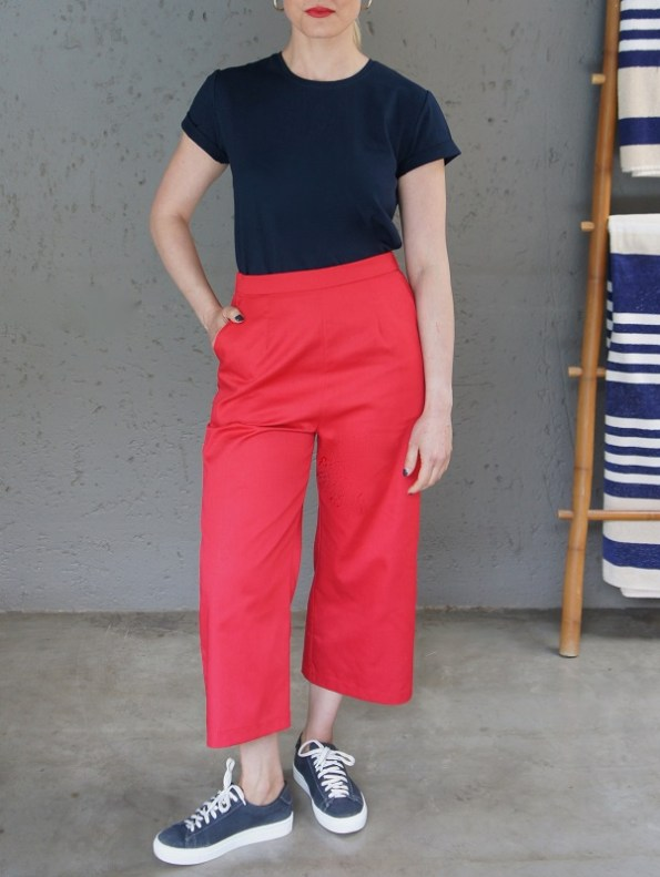 JMVB Jimmy D T-shirt Navy with Red Culottes Front
