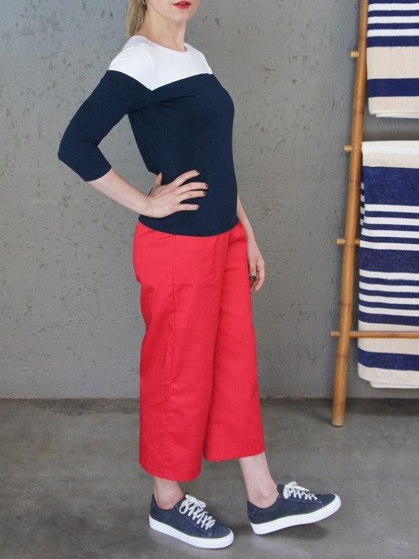 JMVB Three Quarter Sleeve Top Navy and White Side