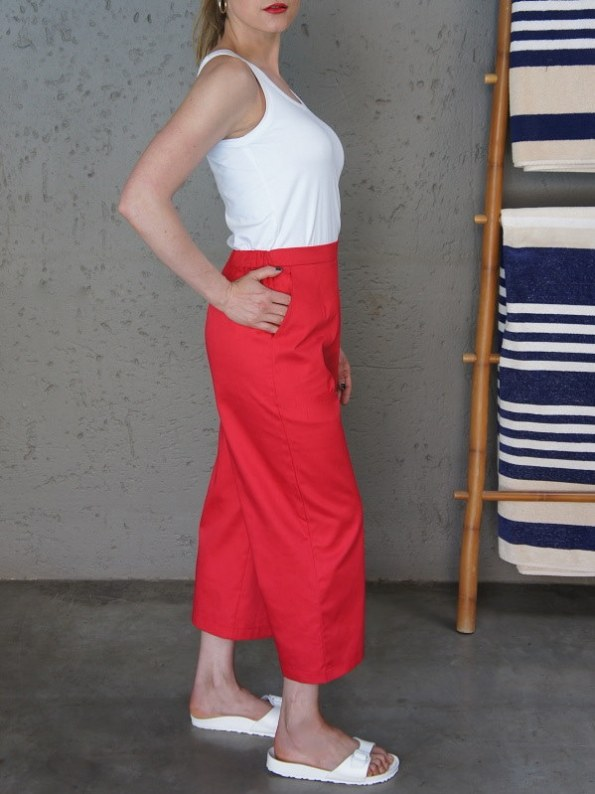 JMVB White Tank Top with Red Culotte Side