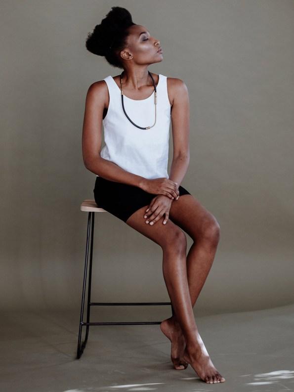 Iloni Grow Neckpiece Black on Model 1