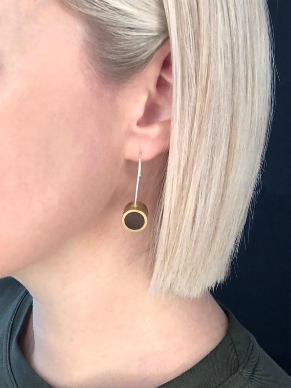 Iloni Hanging Earring Black on Model 2