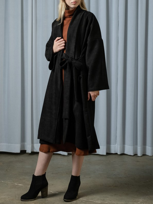 IDV Bow Coat Black 1
