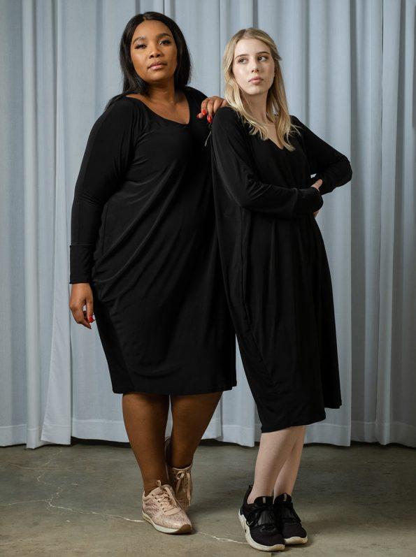 IDV VNeck Cocoon Dress Black