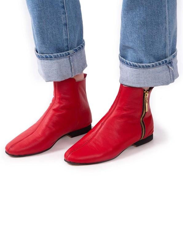 HoC Suna Boots Red Model