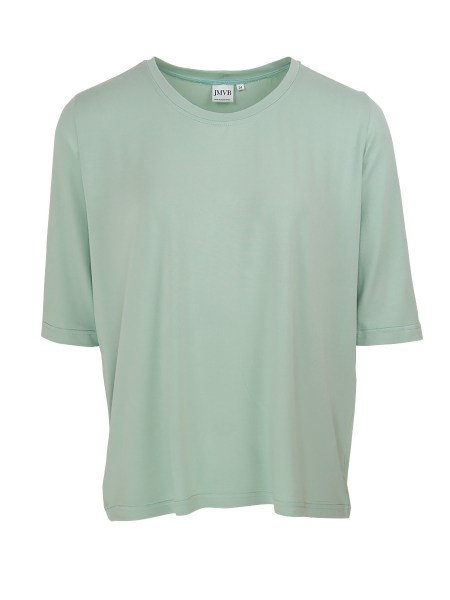 green T-shirt with 3/4 sleeves