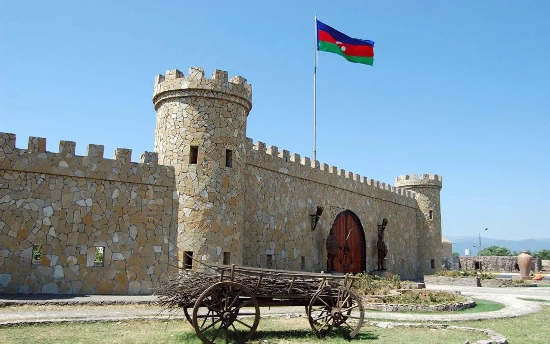 Claves de la política exterior de Azerbaiyán. Entrevista a Peter Tase.