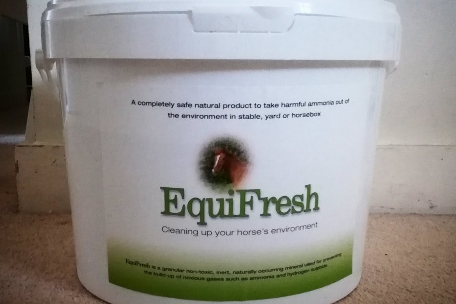 equifresh traps ammonia in horse stables