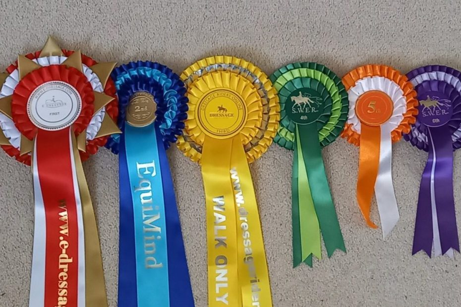 traditional rosette colours